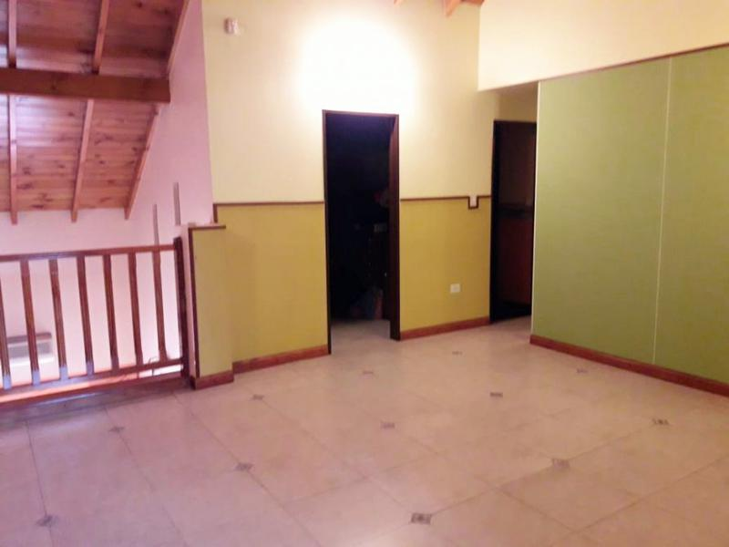 Foto Casa en Venta en  Lanús Oeste,  Lanús  Udaondo 2761