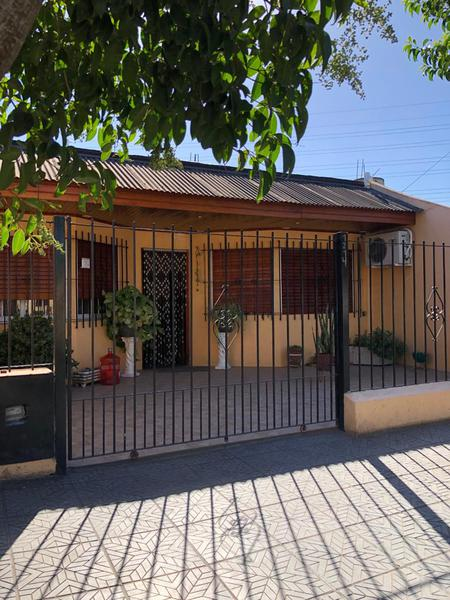 Foto Casa en Alquiler en  El Jaguel,  Esteban Echeverria  Barbarena al 1200