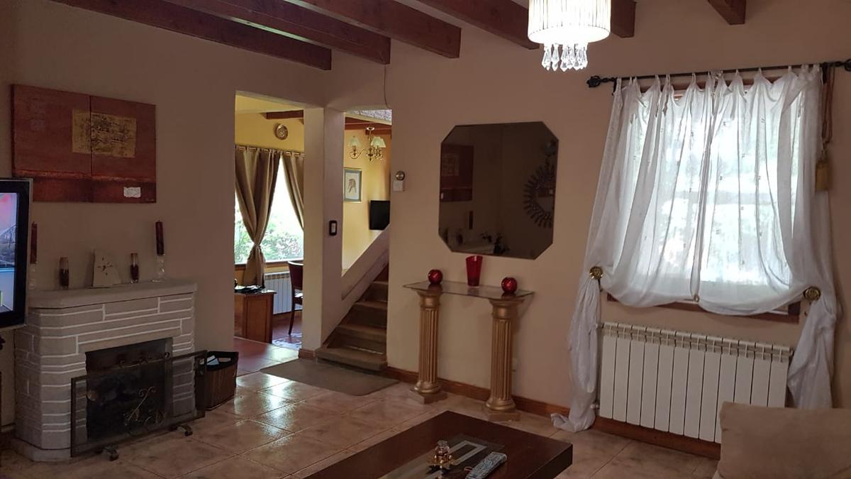 Foto Casa en Alquiler en  La Cascada,  San Carlos De Bariloche  De Los Buhos al 6200