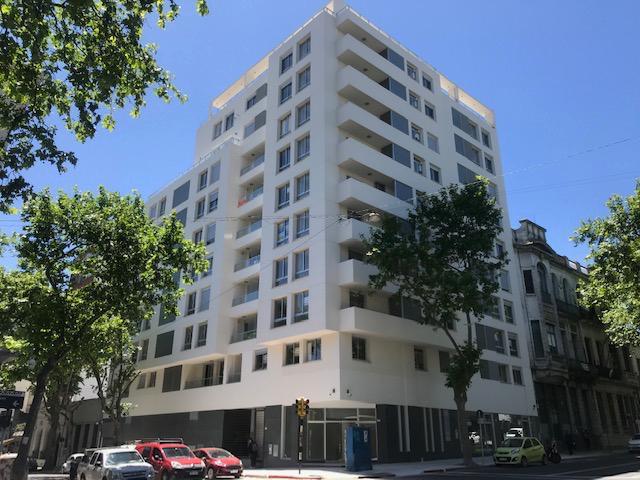 Foto Apartamento en Venta en  Centro (Montevideo),  Montevideo  Cuareim y Uruguay 2 D. Con renta