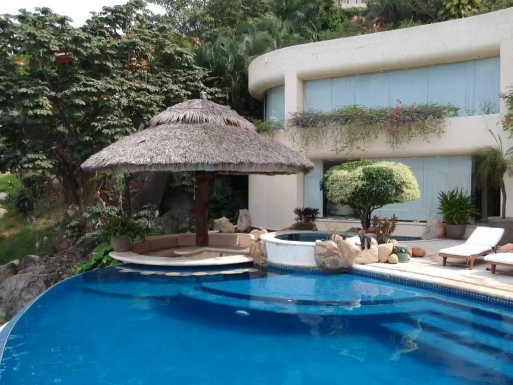 Foto Casa en Venta en  Fraccionamiento Las Brisas,  Acapulco de Juárez  Espectacular Villa en las Brisas