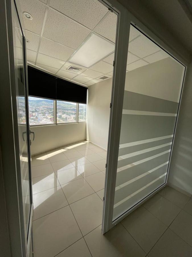 Foto Oficina en Renta en  Boulevard Suyapa,  Tegucigalpa  Local en Torre 2 de Metropolis en Renta, Tegucigalpa