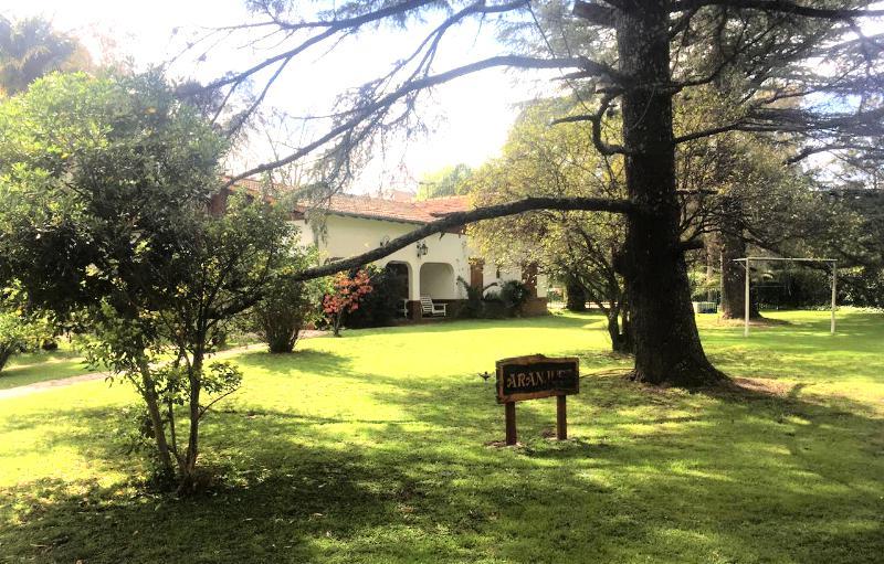Foto Casa en Venta en  Barrio Parque Leloir,  Ituzaingo  Av. Udaondo al 3400