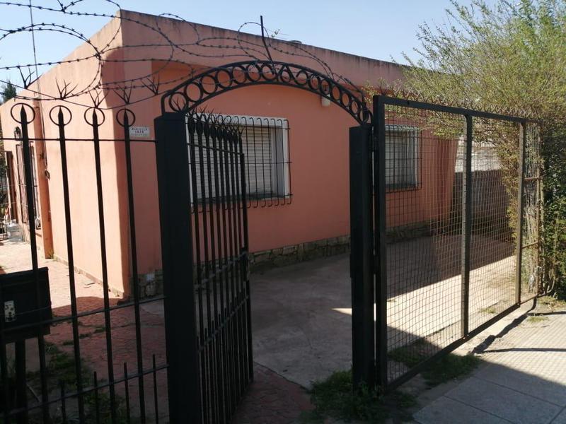 Foto Casa en Venta en  Jose Clemente Paz,  Jose Clemente Paz  Mansilla 1300