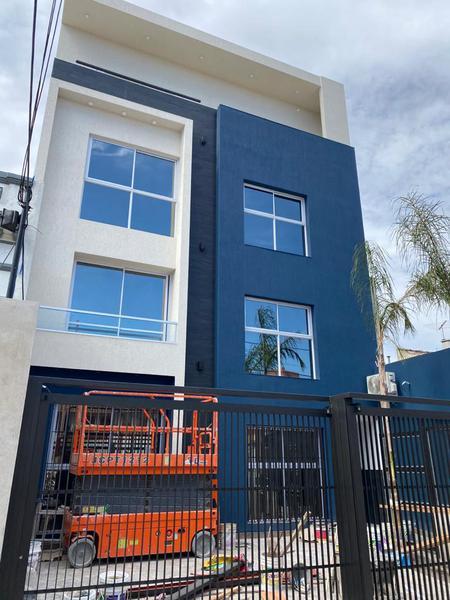 Foto Departamento en Venta en  Moron Sur,  Moron  Saavedra 200 PB A