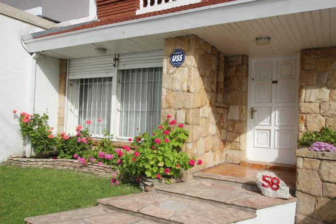 Foto Casa en Venta en  Mart.-Santa Fe/Fleming,  Martinez  PIRAN 58