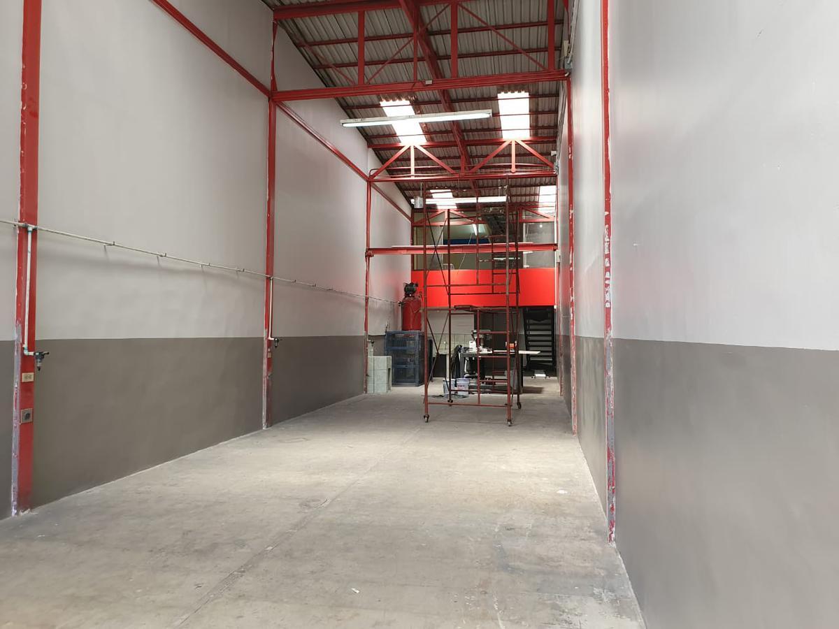 Foto Bodega Industrial en Venta en  Uruca,  San José  Uruca/ 250m2 de construcción/ Alta Exposición calle muy transitada