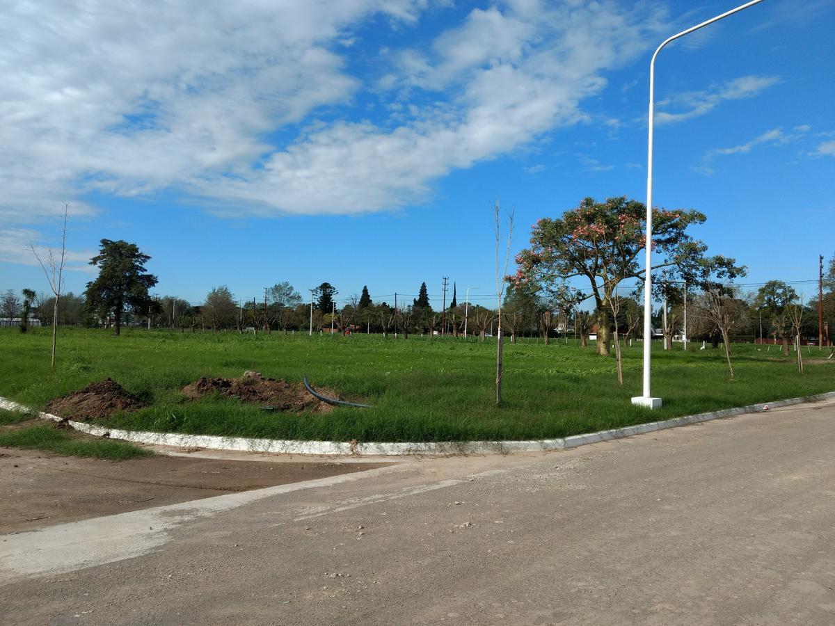 Foto Terreno en Venta en  Perez ,  Santa Fe  Los Lapachos 1 - Perez