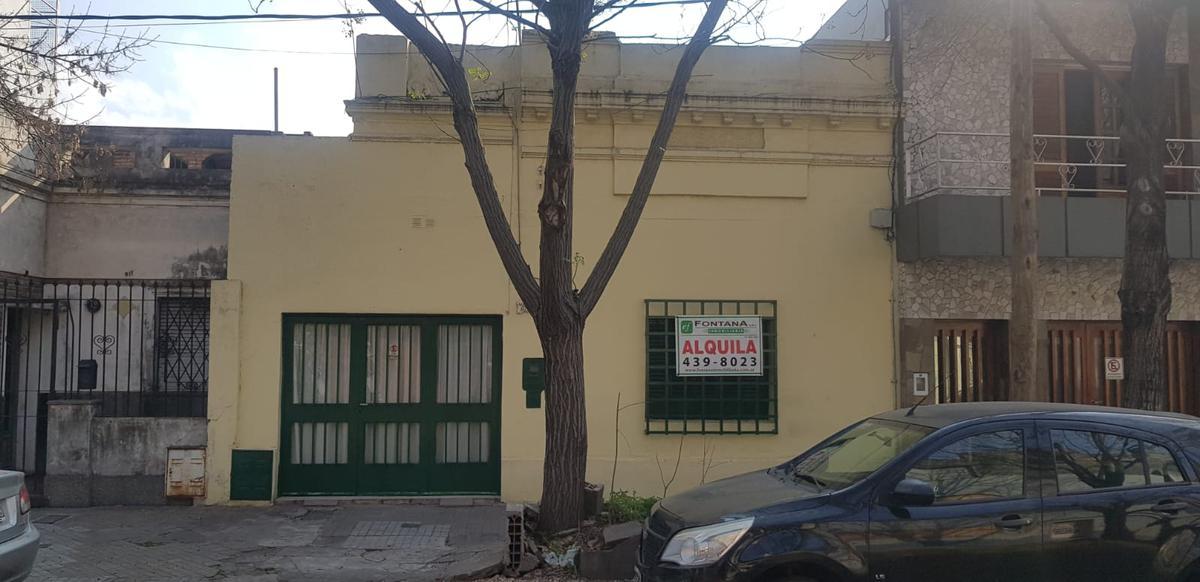 Foto Casa en Alquiler en  Arroyito,  Rosario  Pje Fernandez 921