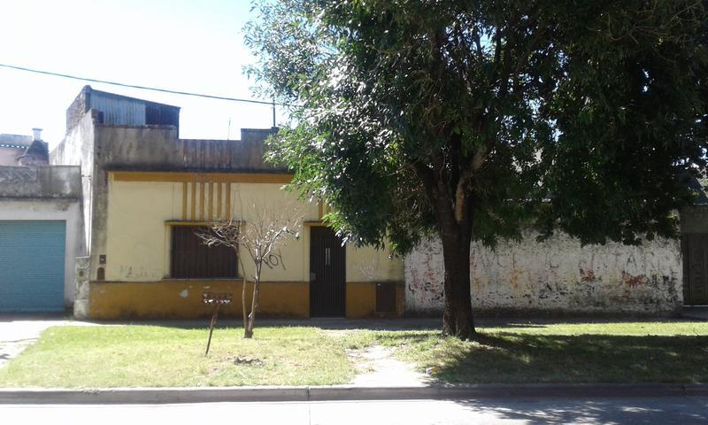 Foto Casa en Venta en  Valentin Alsina,  Lanus  Osorio al 1000