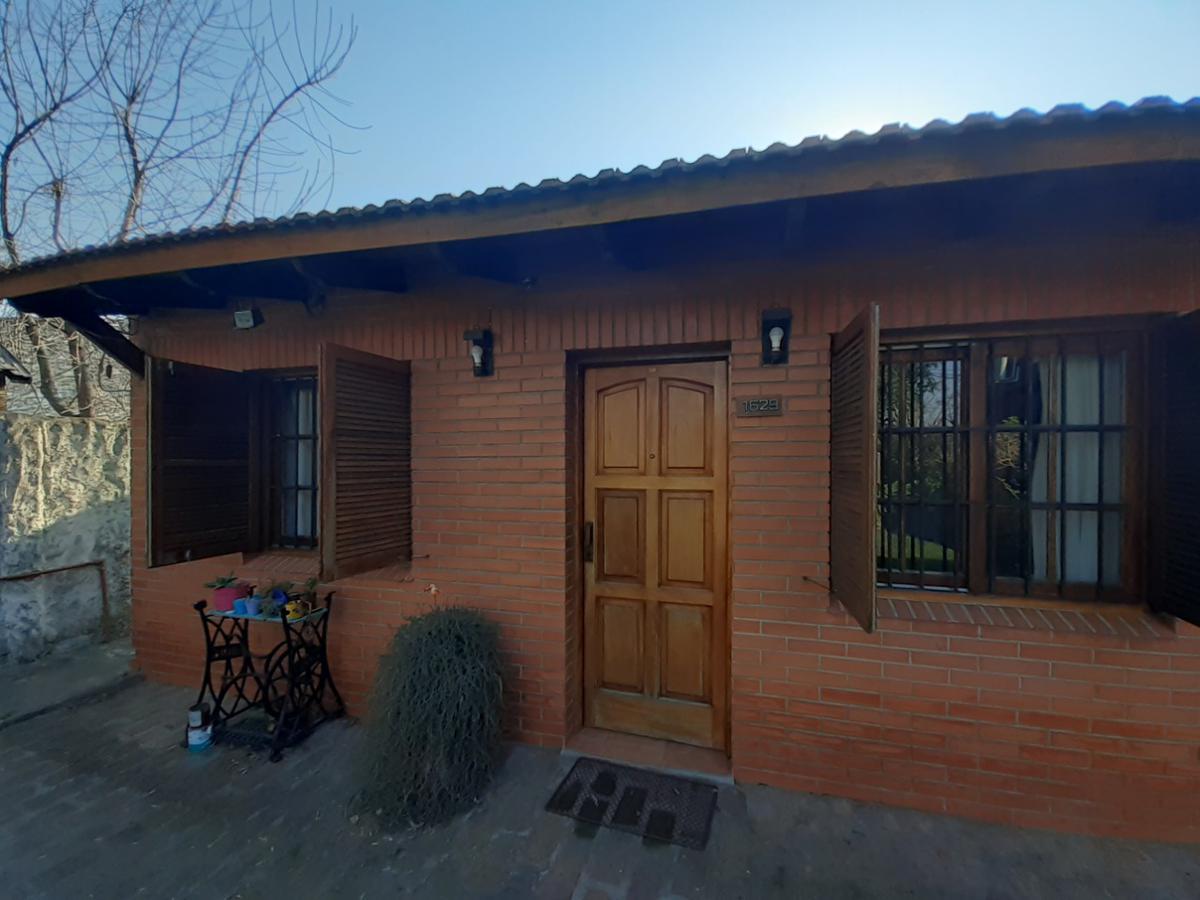 Foto Casa en Venta en  City Bell,  La Plata  Casa 479 entre 11 y 12