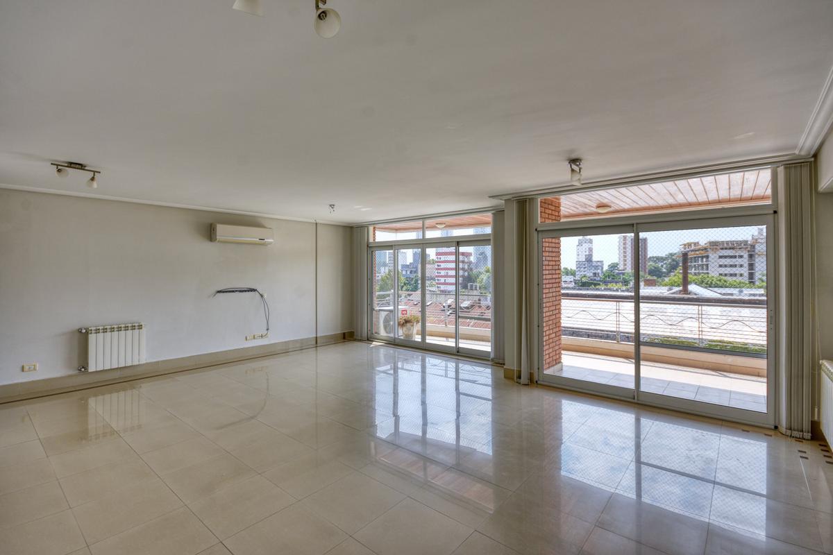 Jujuy 2452 | Piso exclusivo en Pichincha con parrillero propio, cochera, baulera y amenities.