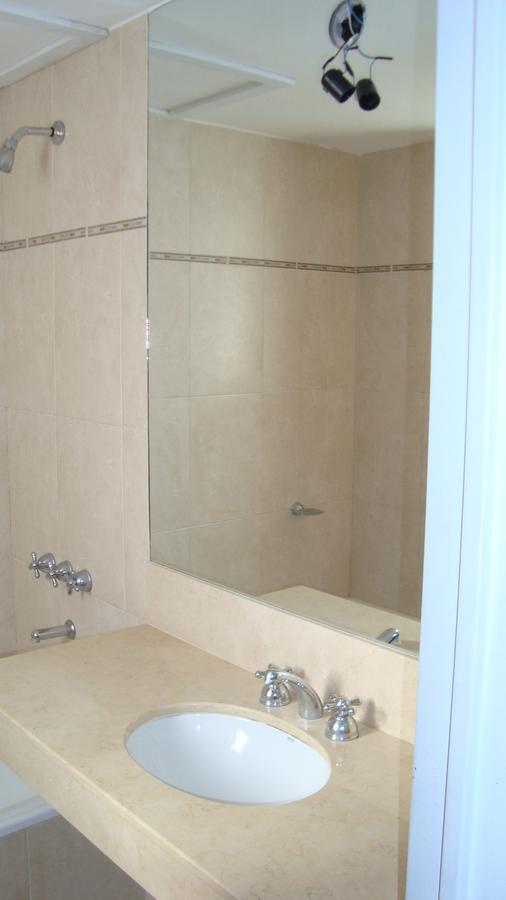 Foto Departamento en Venta en  Centro,  Rosario  San Juan 561 08-02 - 2 dormitorios, 2 baños, cochera, y amenities (alquilado)