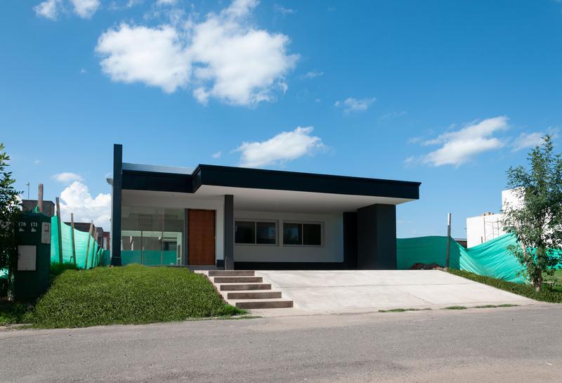 Foto Casa en Venta en  Tafi Viejo ,  Tucumán  Country El Pinar 1