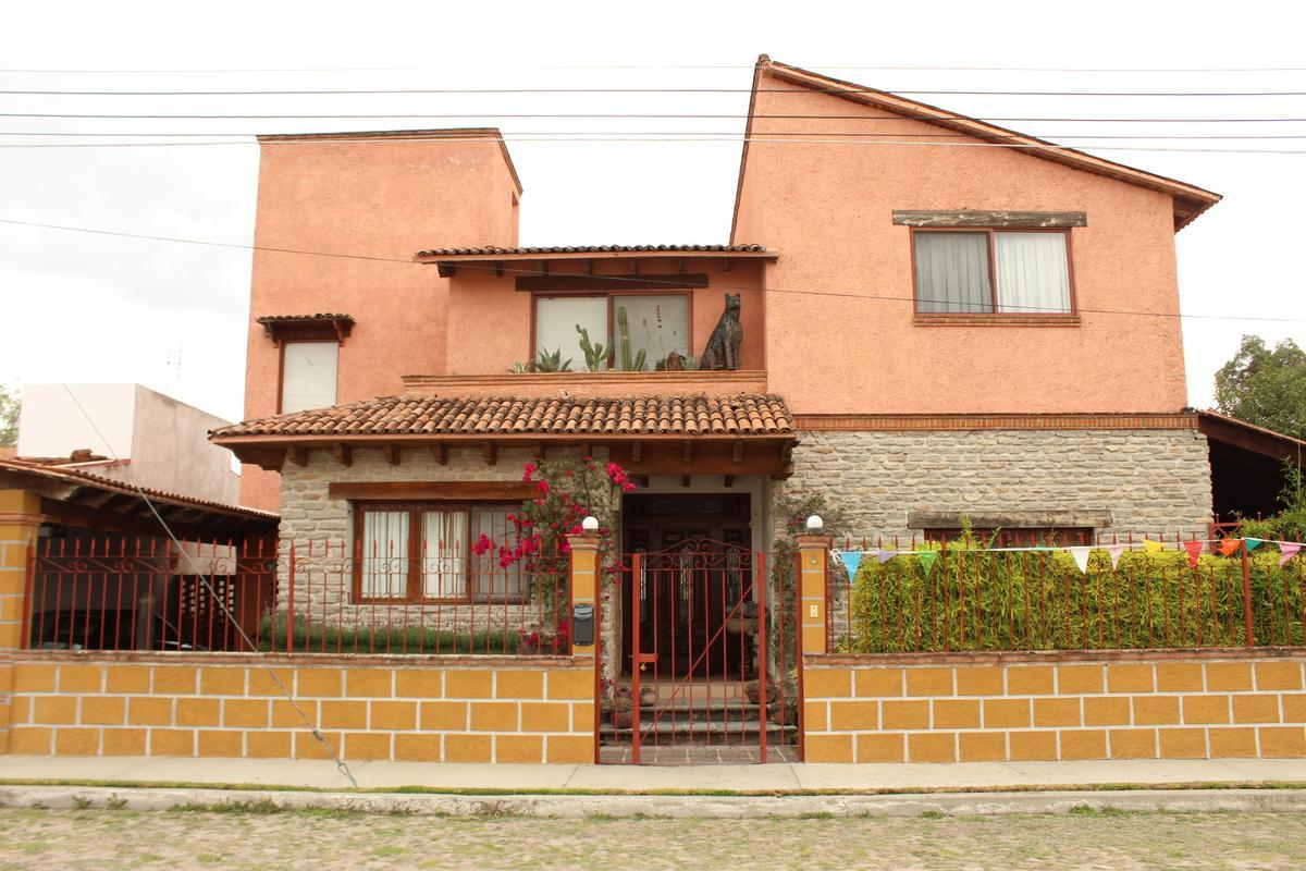 Foto Casa en Venta en  Fraccionamiento Residencial Haciendas de Tequisquiapan,  Tequisquiapan  CASA EN VENTA EN TEQUISQUIAPAN