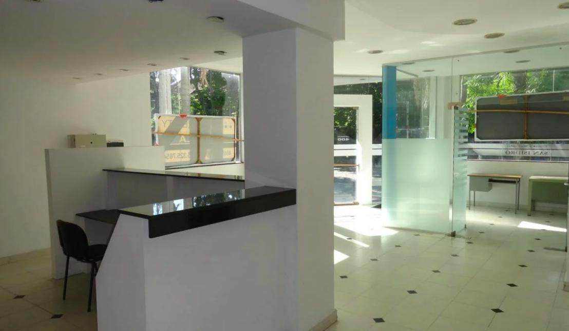 Foto Edificio Comercial en Alquiler en  S.Isi.-Centro,  San Isidro  3 DE FEBRERO al 400