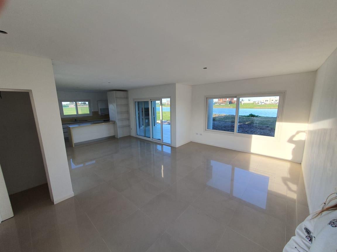 Foto Casa en Venta en  Berazategui ,  G.B.A. Zona Sur  VILLALOBOS