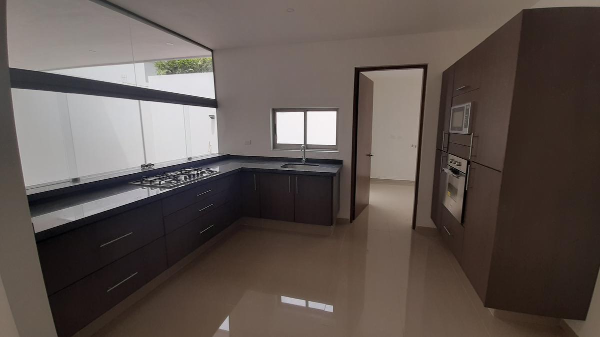 Foto Casa en Venta en  Aguascalientes ,  Aguascalientes  Casa En Venta Loretta 2 con Roofgarden