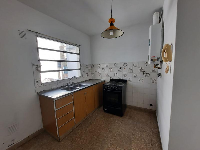 Foto Departamento en Alquiler en  Rep.De La Sexta,  Rosario  Chacabuco 2169 03-03