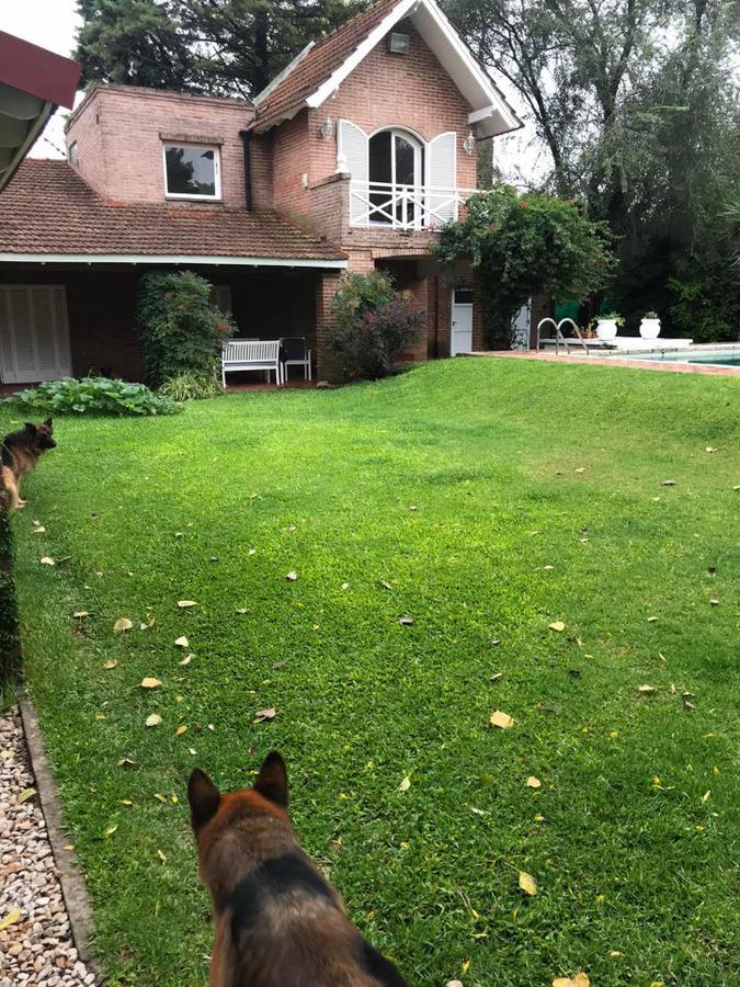 Foto Casa en Venta en  Manuel B Gonnet,  La Plata  Casa 485 entre  20 y 21