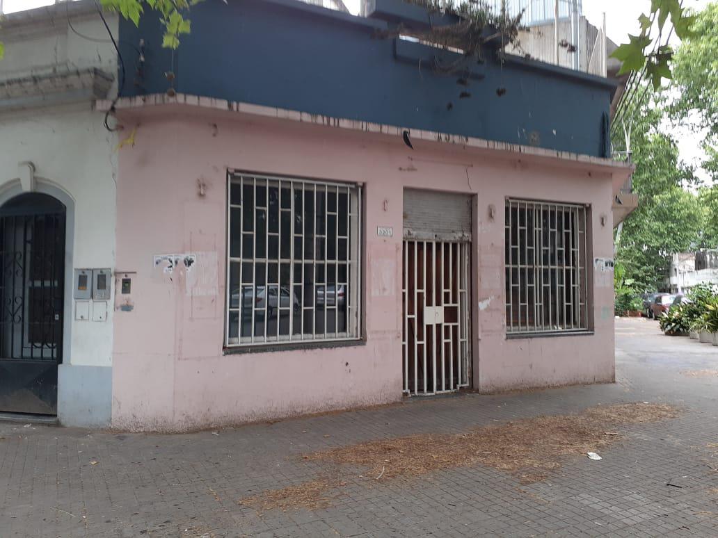 Foto Local en Alquiler en  Refinerias,  Rosario  Tucumán y Vera Mújica