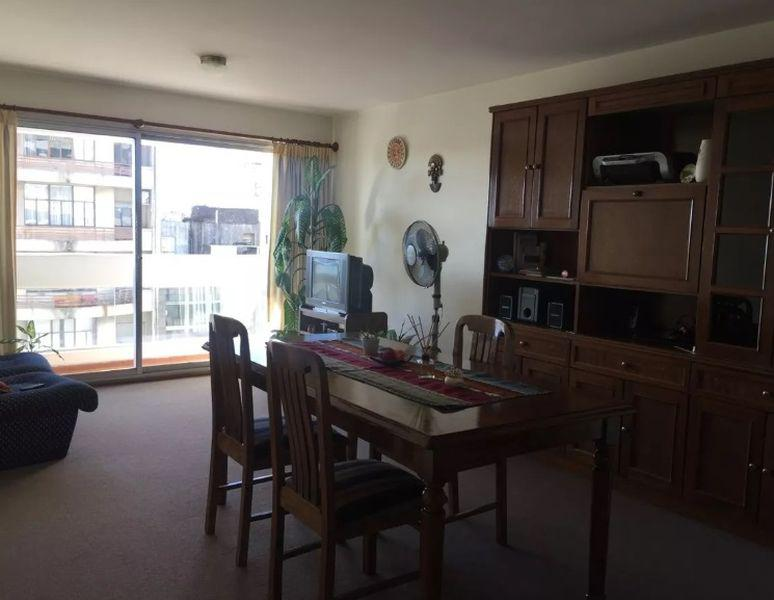 Foto Apartamento en Venta en  Cordón ,  Montevideo  18 De Julio. Piso alto con vista