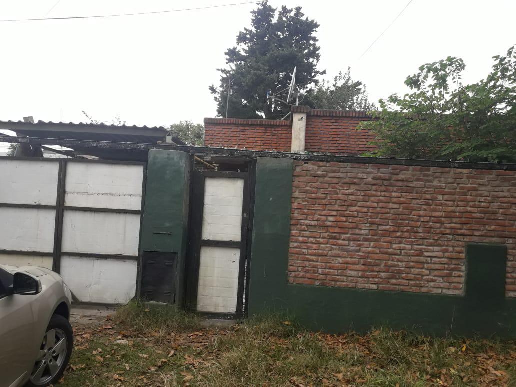 Foto Casa en Venta en  Los Hornos,  La Plata  147 57 y 58