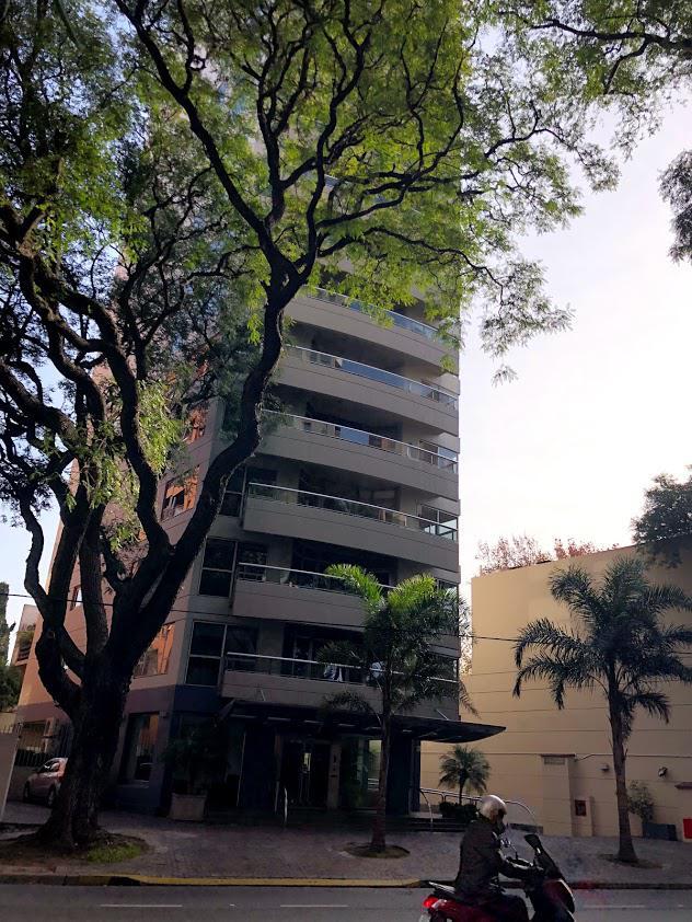Foto Departamento en Alquiler en  La Lucila-Libert./Rio,  La Lucila  Libertador al 3600