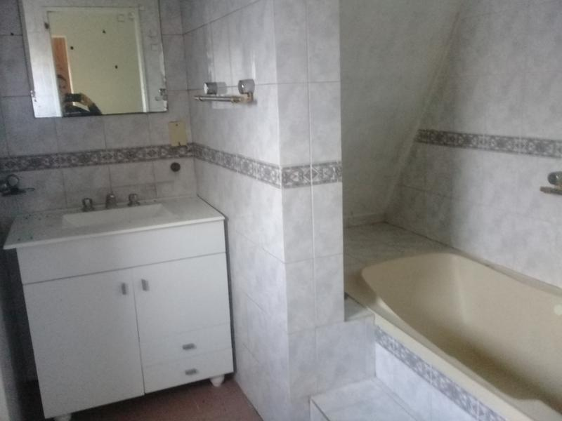 Foto Casa en Alquiler en  Barrio Parque Leloir,  Ituzaingo  DE LOS RESEROS
