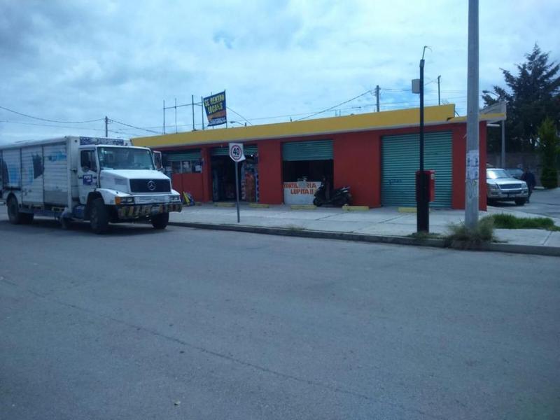 Foto Edificio Comercial en Venta en  Santiago,  Zumpango  Inmueble Comercial en Zumpango 9 Locales