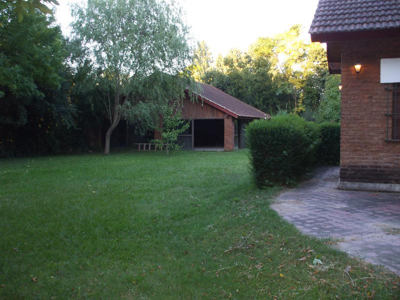 Foto Casa en Venta en  Torres,  Lujan  Torres,   1500 m2