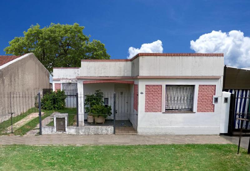 Foto Casa en Alquiler en  Moreno,  Moreno  Casa con 4 dormitorios -Alberdi al 1600