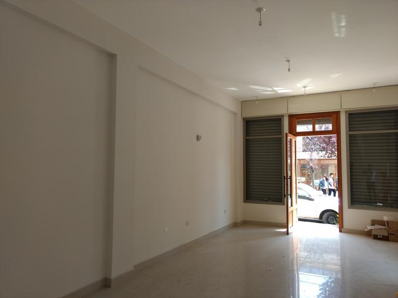 Foto Local en Alquiler en  Centro,  Alta Gracia  Espana  al al 300