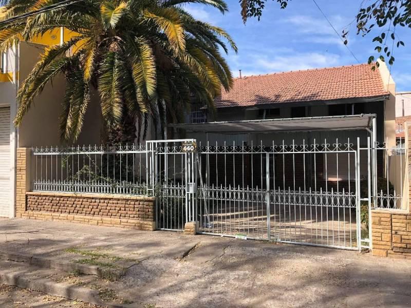 Foto Casa en Venta en  Capital Federal ,  Capital Federal  REMIGIO BOSCH al 600