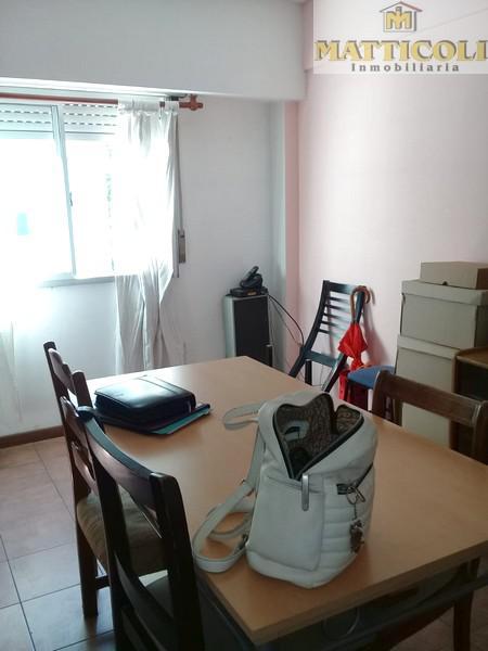 Foto Departamento en Venta en  General San Martin ,  G.B.A. Zona Norte  Guemes al 2200