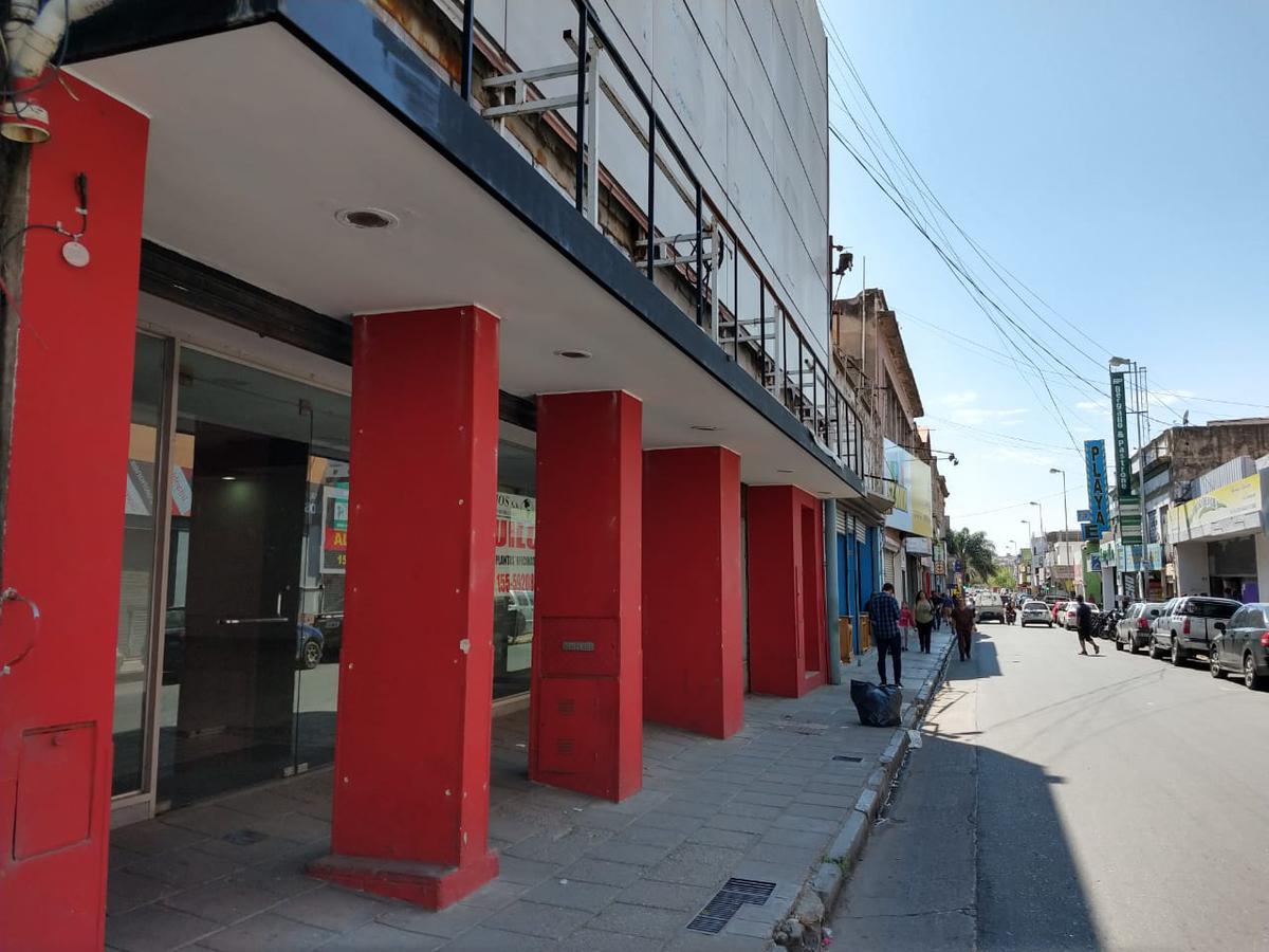 Foto Local en Alquiler |  en  Centro,  Cordoba  RIVADAVIA 300