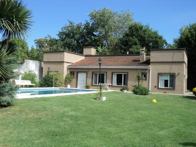 Foto Casa en Venta en  Barrio Parque Leloir,  Ituzaingo  La Carreta al 1400
