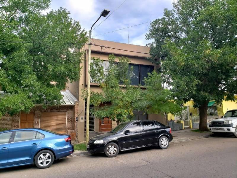 Foto Oficina en Venta en  Área Centro Este ,  Capital  Mendoza al 800