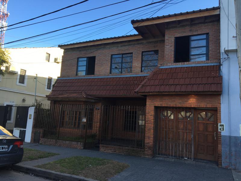 Foto Casa en Venta en  Olivos,  Vicente Lopez  MIGUEL CANE al 3500
