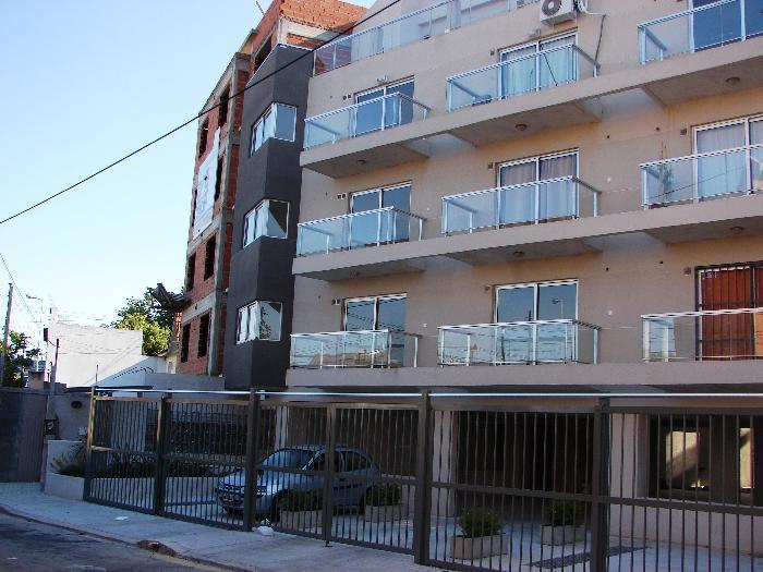 Foto Departamento en Alquiler en  Moron ,  G.B.A. Zona Oeste  Guemes Torino 37 2ºA
