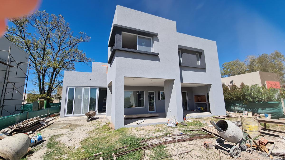 Foto Casa en Venta en  Santa Guadalupe,  Pilar Del Este  PILAR DEL ESTE-SANTA GUADALUPE LOTE al 200