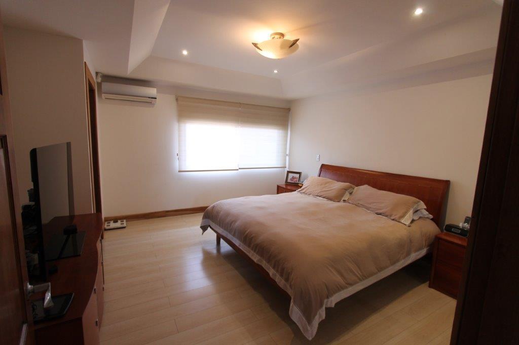 Foto Casa en condominio en Venta en  Pozos,  Santa Ana  Home  Casa en Santa Ana/ Piscina/ Remodelada