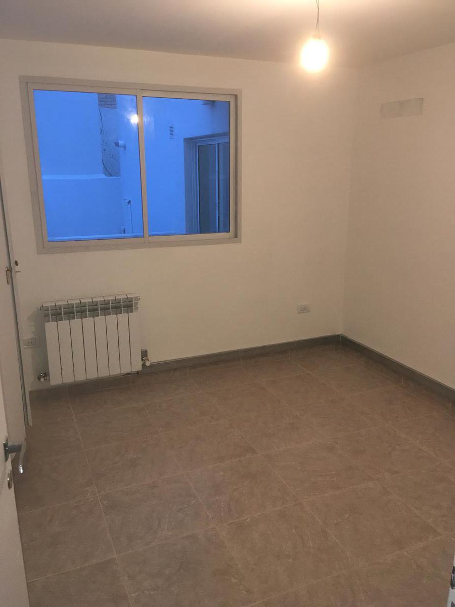 Foto Departamento en Alquiler en  Capital ,  Neuquen  Colonia Alemana al 700