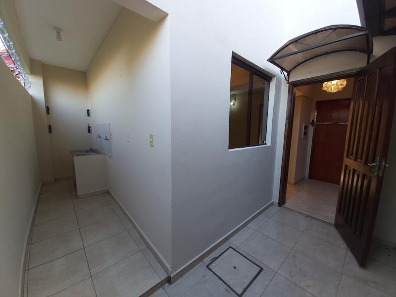 Foto Casa en Alquiler en  Villa Adela,  Luque  Villa Adela