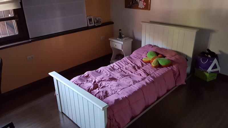 Foto Casa en Venta en  Adrogue,  Almirante Brown  Pilar al 100