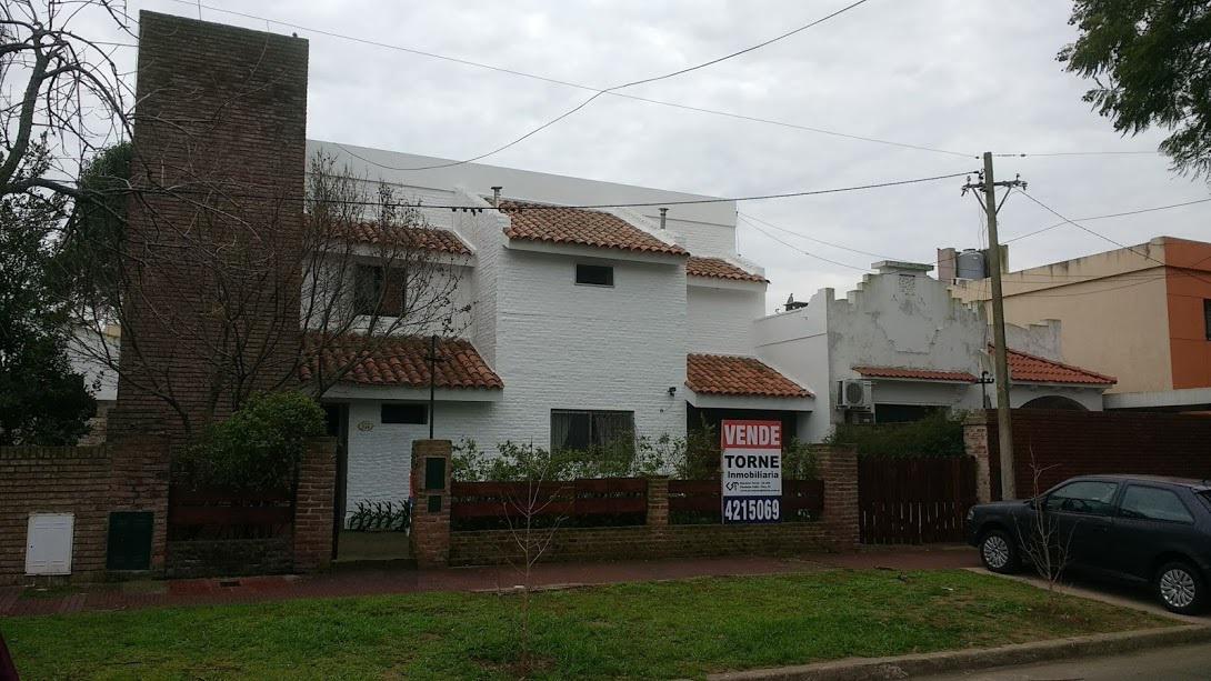 Foto Casa en Venta en  Alberdi,  Rosario  Casa de 3 dormitorios - Alberdi - Superi 386