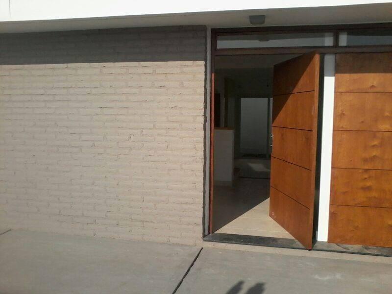 Foto Casa en Venta en  San Miguel De Tucumán,  Capital  DÚPLEX, PJE. TAGLE Y FELIX DE OLAZABAL. ENTREGA INMEDIATA -FINANCIADO