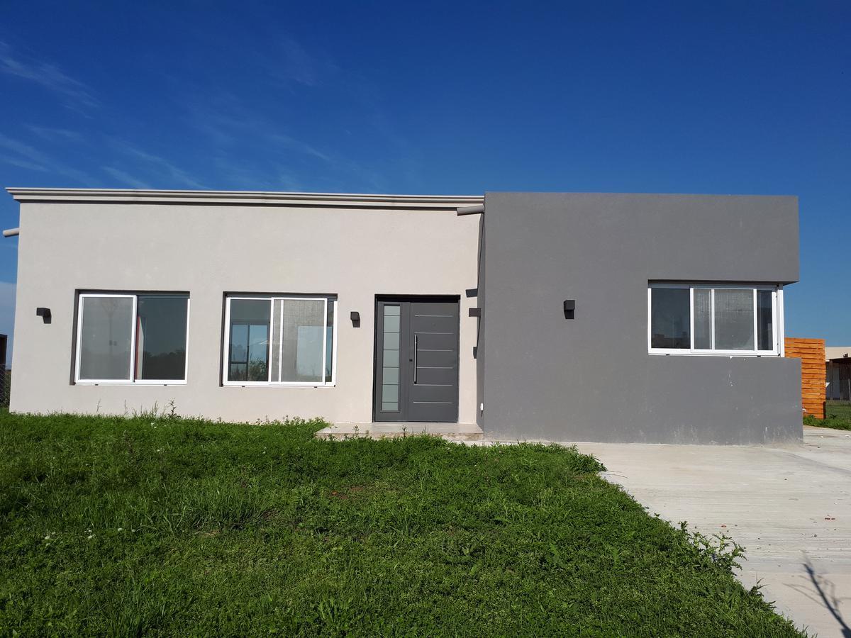 Foto Casa en Venta en  El Canton,  Countries/B.Cerrado  Barrio Norte al 600