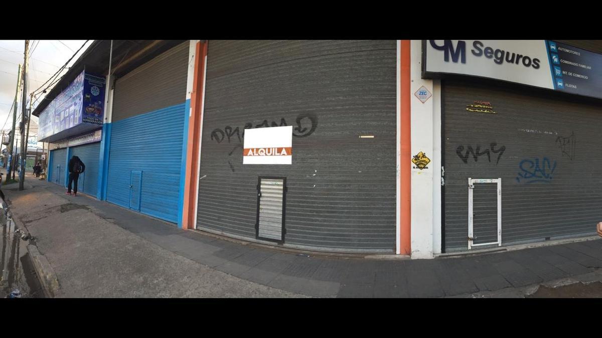 Foto Local en Alquiler en  Moreno,  Moreno  Av. Victorica al 300