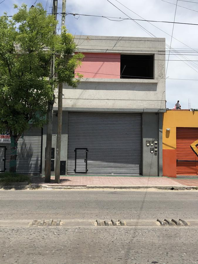 Foto Local en Alquiler en  Quilmes Oeste,  Quilmes  Av. Mosconi ante esquina Liniers